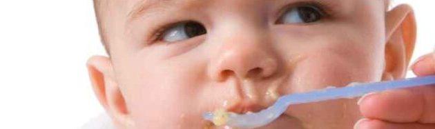 تغذية الأطفال حديثي الولادة