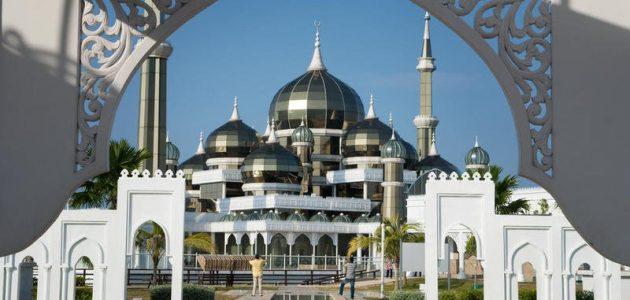 صور 5 مساجد عائمة تستحق الزيارة