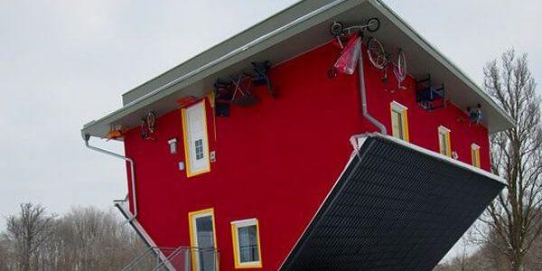 تصاميم منازل مقلوبة تثير الدهشة