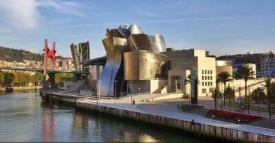 متحف غوغنهايم بأسبانيا