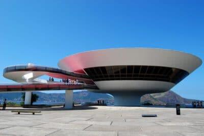 متحف نيتيروي بالبرازيل